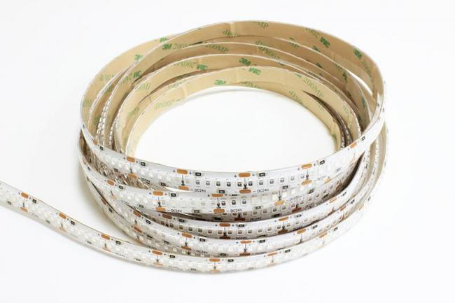 the best attitude 6d3b8 38230 LuxaLight Long Life UV LED-strip 365nm Protected (24 Volt, 240 LEDs, 2835,  IP64)